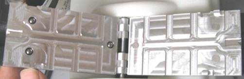 Aluminum plates with hinge