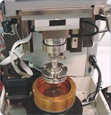 Test setup for friction test of clutch pieces.