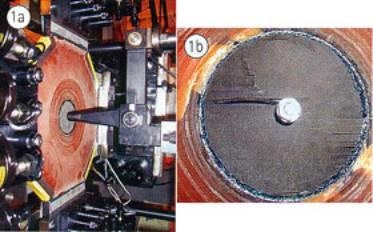 Investigation of the loading of a bolt in a specimen under biaxial stress.
