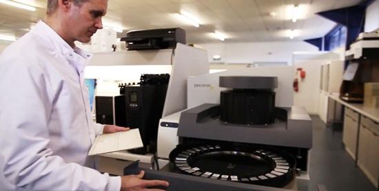 Stewart Jones, Director of Molecular Pathology analyzing human tissue samples