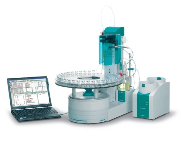 874 USB Oven Sample Processor with 851 Titrando for the automatic determination of the water content in samples containing oil. Side reactions and contamination of the KF coulometer cell are avoided.