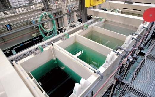 With the Metrohm ProcessLab analysis system, the entire process from preparatory baths to the nickel- plating baths and rinsing baths can be analytically monitored.