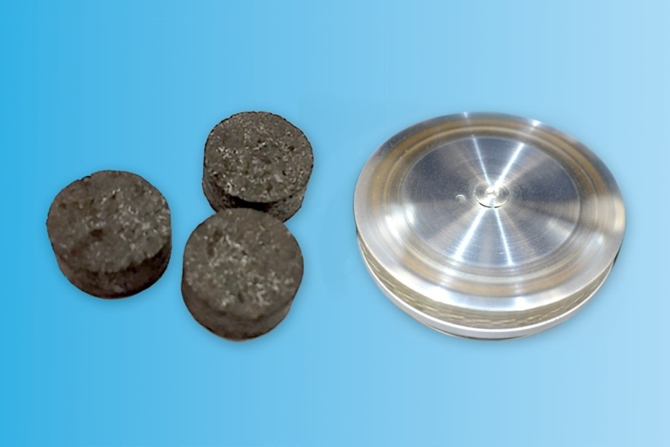 Samples that simulate the brake pad and rotor for testing with the TriboLab Brake Material Screening Tester.