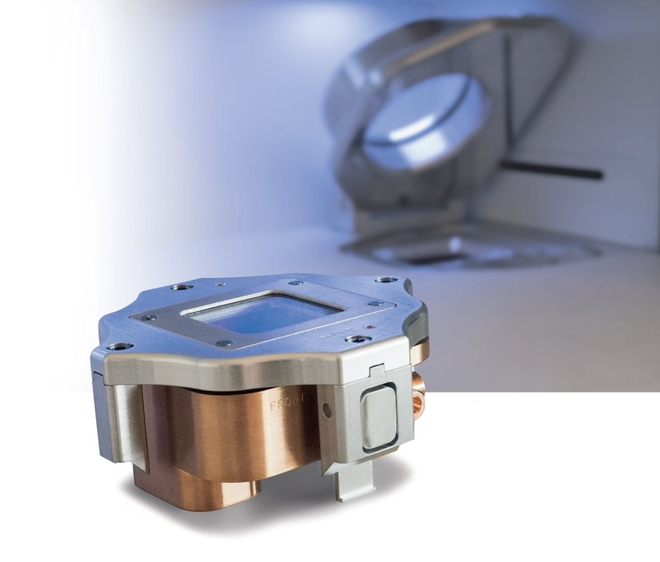 The vacuum transfer module allows samples that have been prepared in an inert environment to be transferred into the spectrometer chamber without exposure to air.