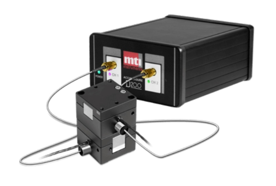 MTI digital capacitance amplifier with MTI ASP-500M- ILA capacitance probe, embedded in the Piezo System Jena PX-100 stage. The digital amplifier offers exceptional accuracy and linearity. Off-the-shelf control programs make it easy to use and tune digital feedback.