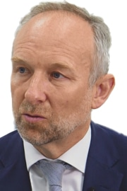Dr Chris Blomfield