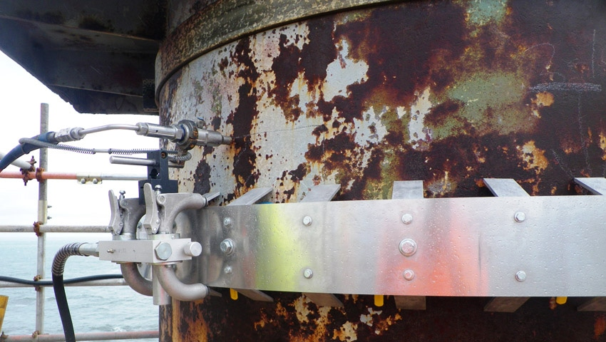 Aquablast cut 70 mm heavy plate steel contactor towers into smaller cylindrical sections.