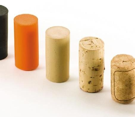 Test extraction force of natural and synthetic corks