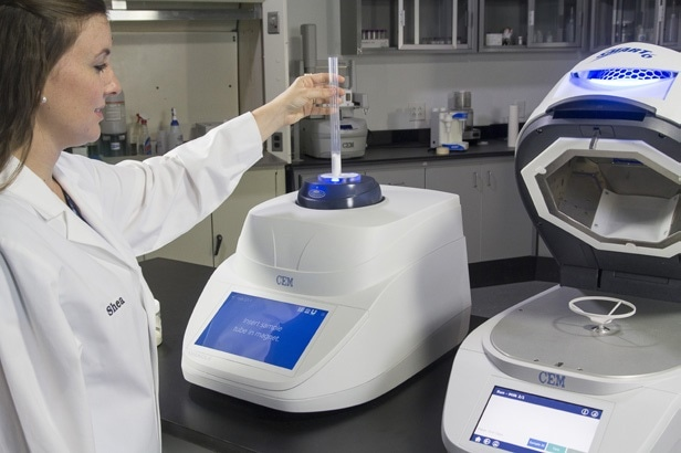 SMART 6 Moisture and Solids Analyzer and the Universal Fat Analyzer Oracle, CEM GmbH