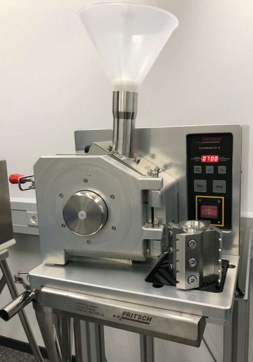 PULVERISETTE 19 with 300 – 3000 rpm with the new rotor with notched edges made of  hardened stainless steel. Image Credit: FRITSCH GmbH - Milling and Sizing