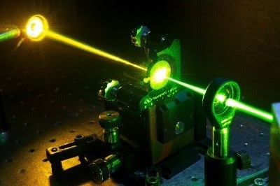 Image showing a diamond Raman laser converting green to yellow light.