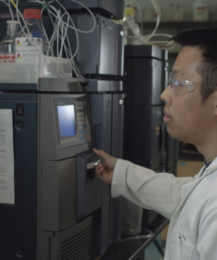 Ph.D. student, John Chea, working with Waters instrumentation at Rowan University.