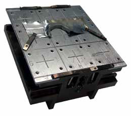 Picture of the aluminum sample mounted on the K-Alpha sample block.