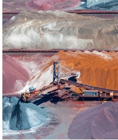 Uranium Leaching Processes in Highly Acidic Solutions