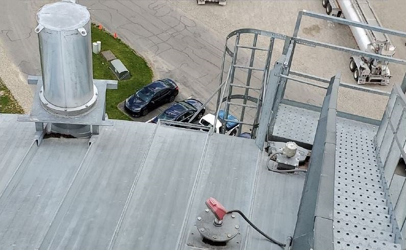 Using Level Sensors in a Poultry Mill