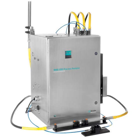 The Metrohm Process Analytics NIRS XDS Process Analyzer, shown here with multiplexer option allowing up to 9 measuring channels. Here, both microbundle (yellow) and single fiber (blue) optical cables are connected, with both a reflectance probe and transmission pair configured.