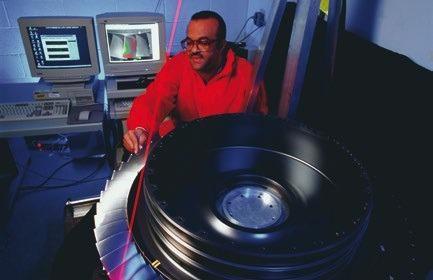Measurement of turbine blade vibrations