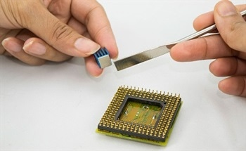 Adhesives with Low Thermal Resistance