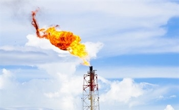 Monitoring Refinery Flare Emission with Single-Analyzer Solution