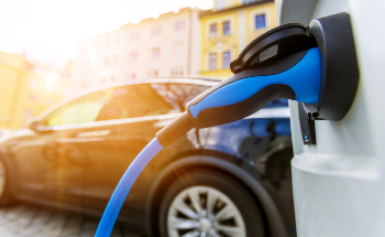 The Groundbreaking Graphene SuperBattery and the Future of Electric Vehicles