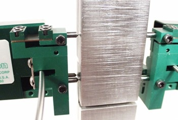 4013 Averaging Extensometers for ASTM D5656 Shear Tests