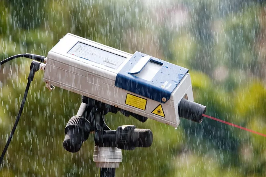 Outdoor, battery-powered measurement for biological research and entomology.