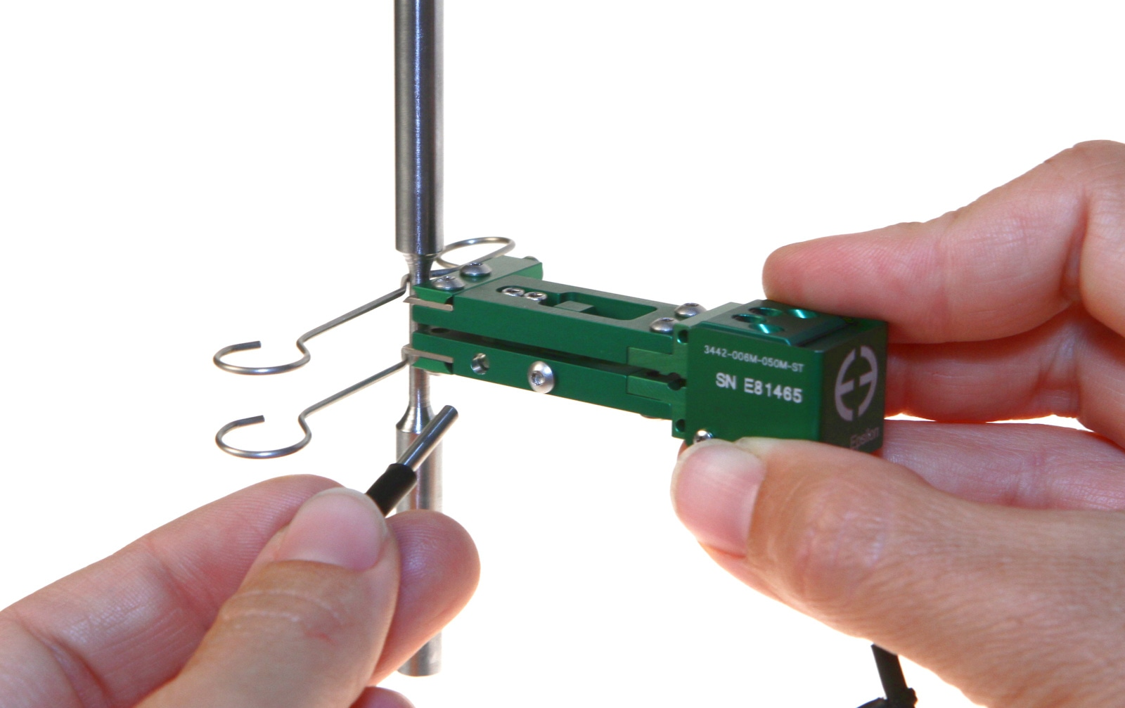 Epsilon 3442 Miniature Extensometer