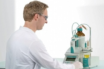 Entry-Level Potentiometric Titration: The Titrino Plus from Metrohm