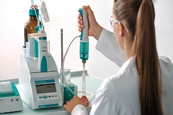 Dosimat Plus: Automated Dosing Device from Metrohm