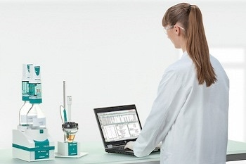 859 Titrotherm: Thermometric Titrator from Metrohm