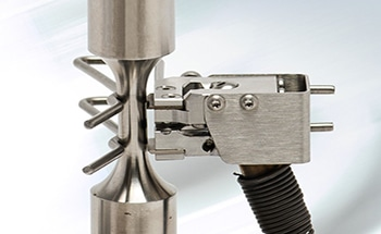 7642 High Temperature Un-Cooled Axial Extensometers (700 °C), Ideal for Testing Composites, Metals and High Temperatures