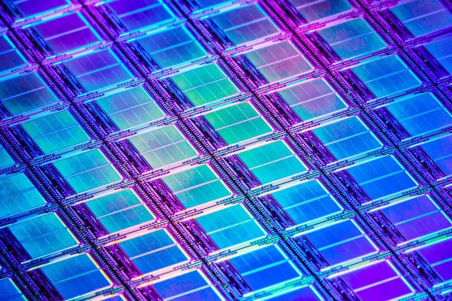 Discovery Suggests New Promise for Nonsilicon Computer Transistors