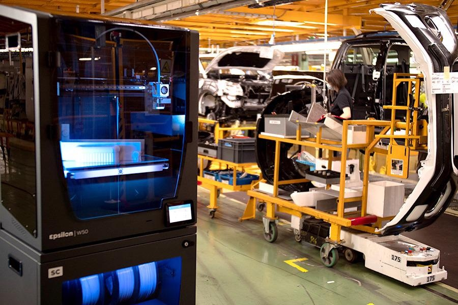Nissan's factory in Barcelona is using 3D printed equipment and fixtures throughout its assembly line saving time andmoney.