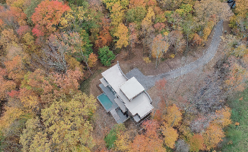 Lorin Anodized Aluminum Enables Innovative Design for Residence in Preserved Woods