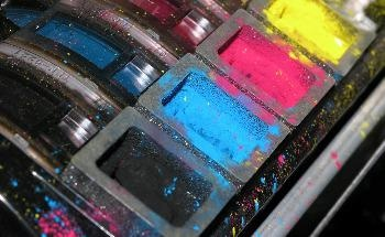 Flow Properties of Toner Powders – the Influence of Physical and Environmental Factors