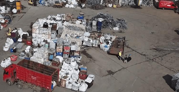 Handheld XRF analyser X-MET8000 for scrapyards
