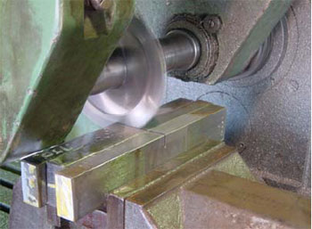 Machining test samples for CTOD testing.