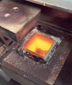 Gold melting crucible furnace (SCF1) for the precious metals market